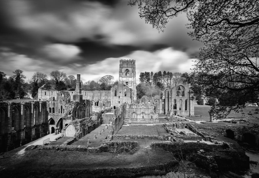 Abbey in England. © Jan Bosch