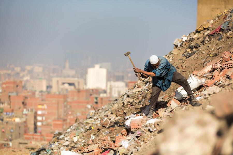 garbage recycling in informal areas, Mansheit Nasser © GIZ/Jan Bosch