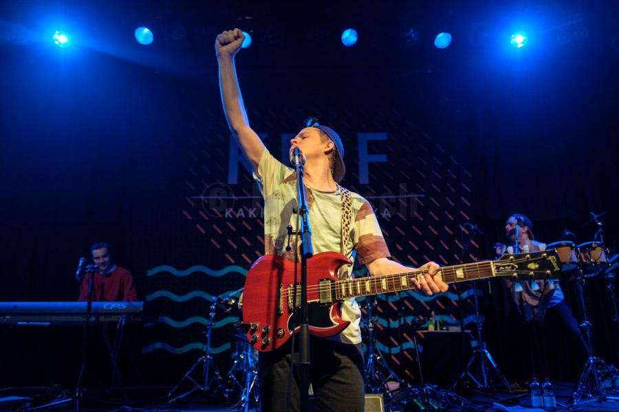 Die norwegische Indie-Pop-Band Kakkmaddafakka bei einem Auftritt im Kulturladen KFZ in Marburg, 3.2.2017. © Jan Bosch