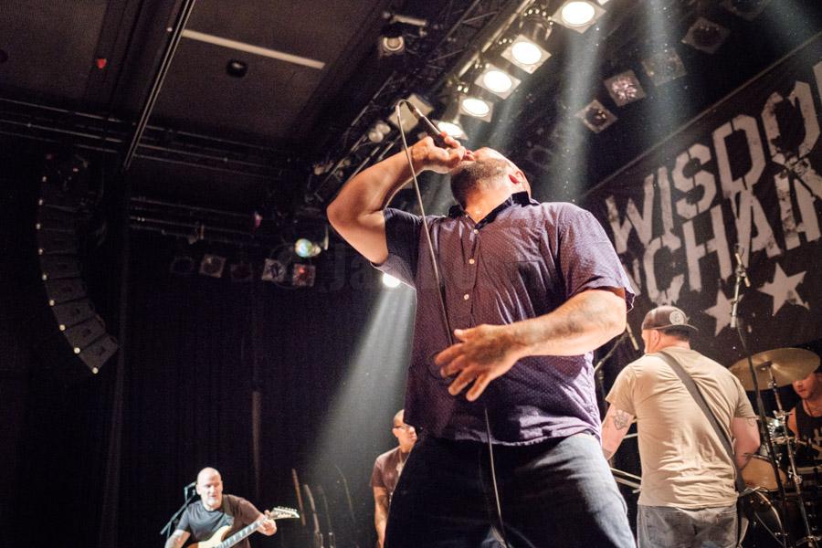 Die US-amerikanische Hardcore-Band Terror bei einem Auftritt im Kulturladen KFZ in Marburg, 29.6.2017. © Jan Bosch