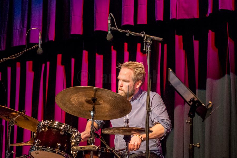 Das Emil Brandqvist Trio bei einem Auftritt im Kulturladen KFZ in Marburg, 16.11.2017. © Jan Bosch