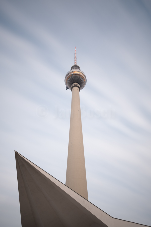 Langzeitbelichtung des Berliner Fernsehturms. © Jan Bosch