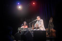 Die Liedermacher Stefan Stoppok bei einem Konzert mit Tess Wiley im Kulturladen KFZ in Marburg, 20.12.2017. © Jan Bosch