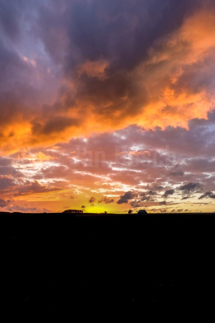 Sonnenuntergang im Nationalpark Kellerwald Edersee, Deutschland. © Jan Bosch