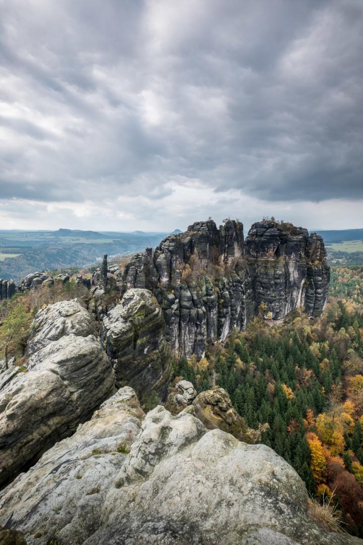 Blick von den Schrammsteinen im Nationalpark Sächsische Schweiz, Deutschland. © Jan Bosch