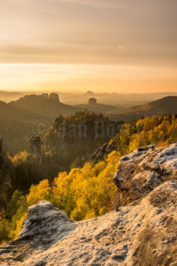 Blick von den Affensteinen im Nationalpark Sächsische Schweiz, Deutschland. © Jan Bosch